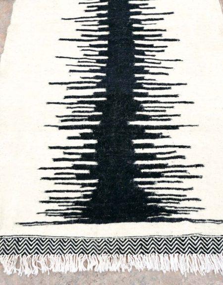 Tapis kilim modèle minimal - écru & noir